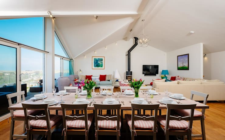 modern Dining room by Perfect Stays