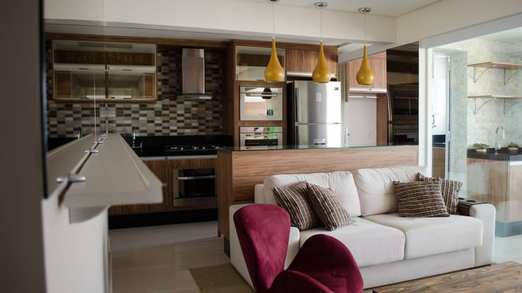 Salas / recibidores de estilo  por MEM Arquitetura