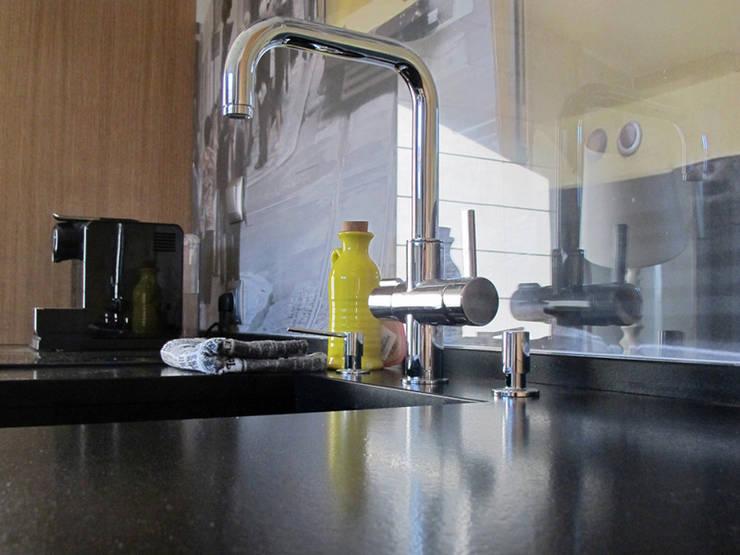 p06: styl , w kategorii Kuchnia zaprojektowany przez Projekt Kolektyw Sp. z o.o.