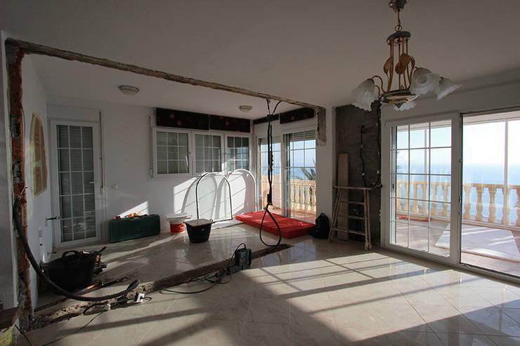 Reforma en Urb. Gran Alacant, Santa Pola: Casas de estilo moderno de Novodeco