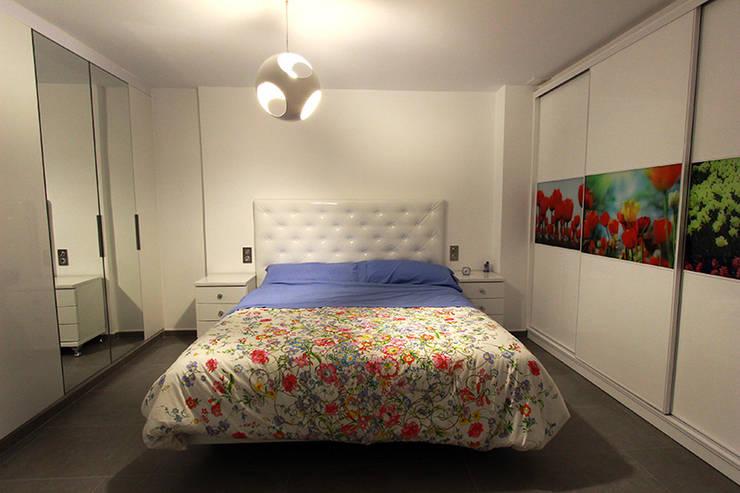 Reforma en Urb. Gran Alacant, Santa Pola: Dormitorios de estilo moderno de Novodeco