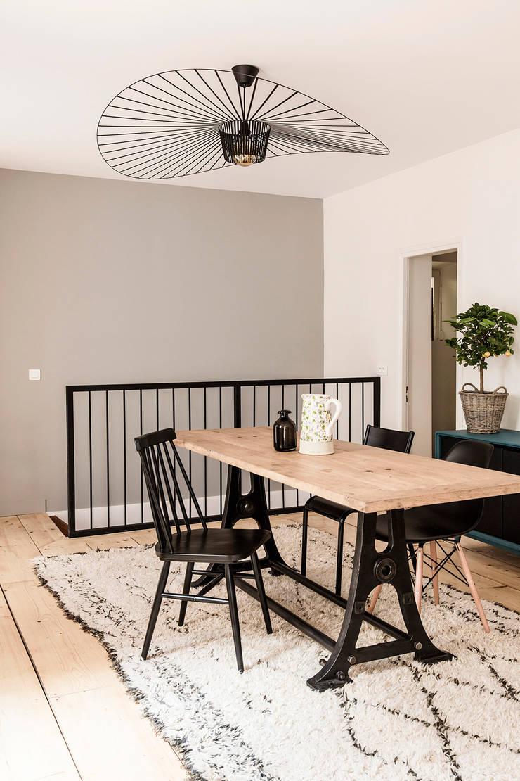 Salle à manger: Salle à manger de style  par Olivier Stadler Architecte