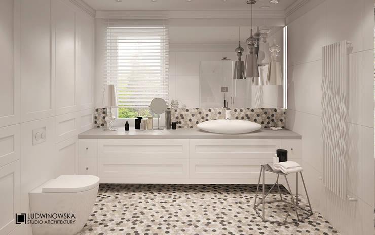 MODERN HAMPTON: styl , w kategorii Łazienka zaprojektowany przez Ludwinowska Studio Architektury