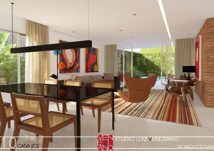 LIVING: Salas de estar modernas por STUDIO LUIZ VENEZIANO