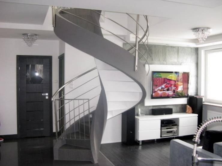 schody z prefabrykatów betonowych: styl , w kategorii Korytarz, przedpokój zaprojektowany przez A.P. RUD Schody