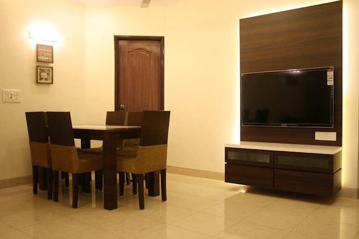 A Quick Make Over....!!!!:  Dining room by Neha Changwani