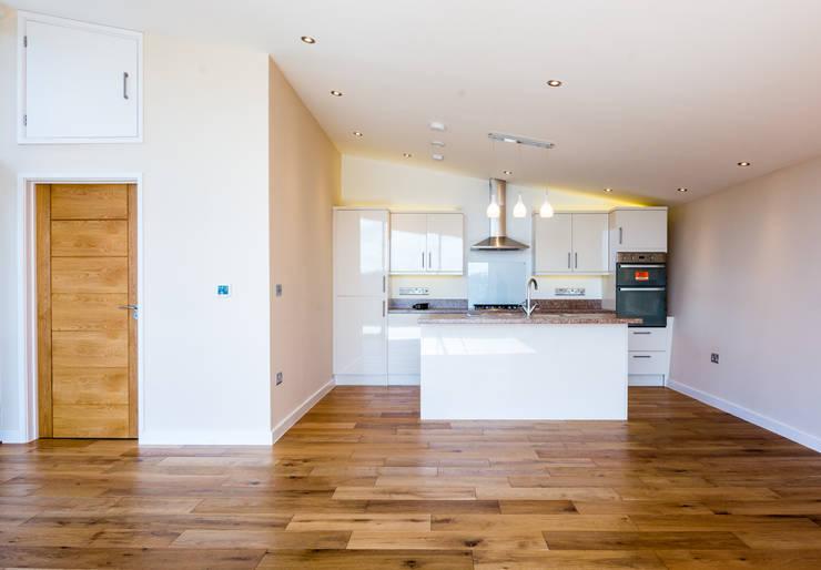 Mallards View, Devon: modern Kitchen by Trewin Design Architects
