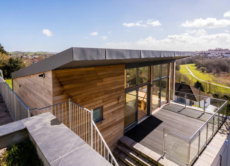 Mallards View, Devon: modern Houses by Trewin Design Architects