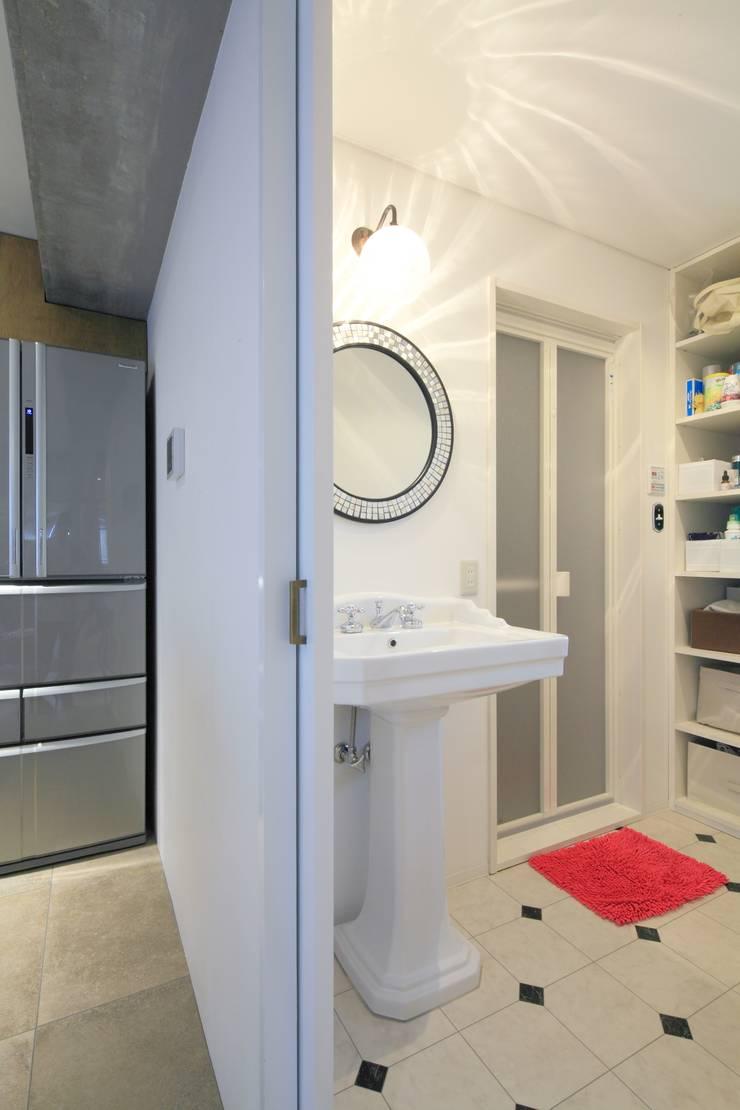 浴室: studio m+ by masato fujiiが手掛けた浴室です。,