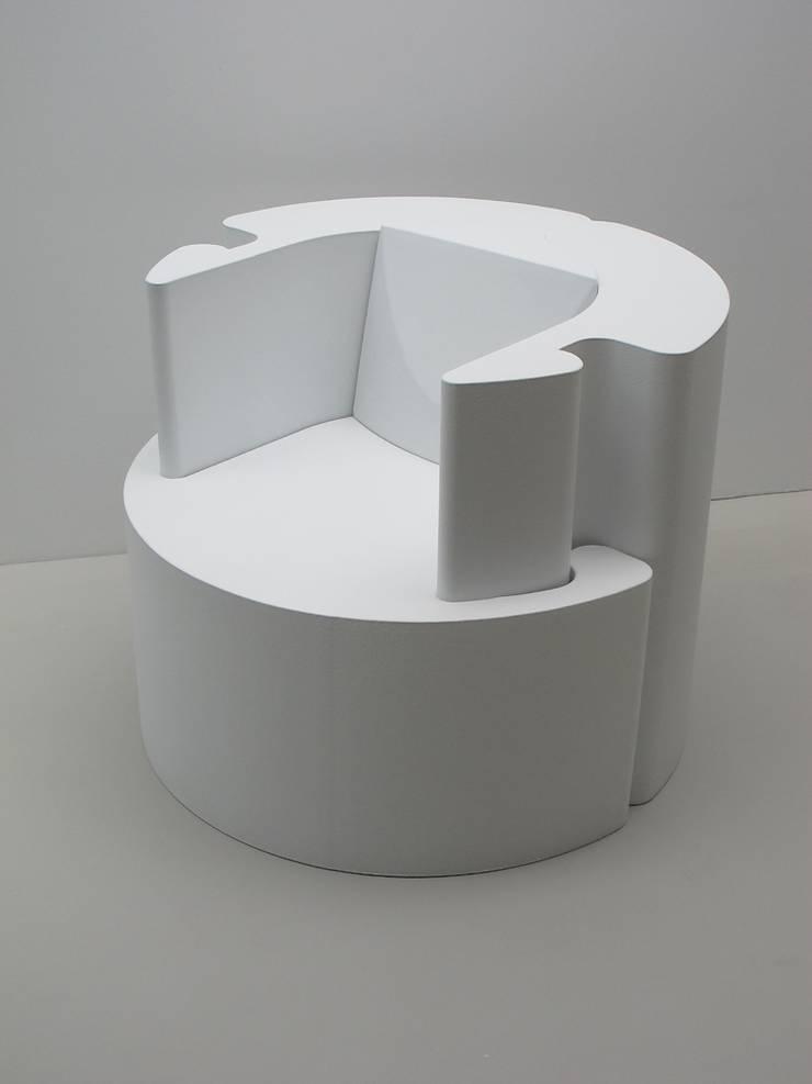 PlusMinusChair: modern  door bv Mathieu Bruls architect, Modern Kunststof