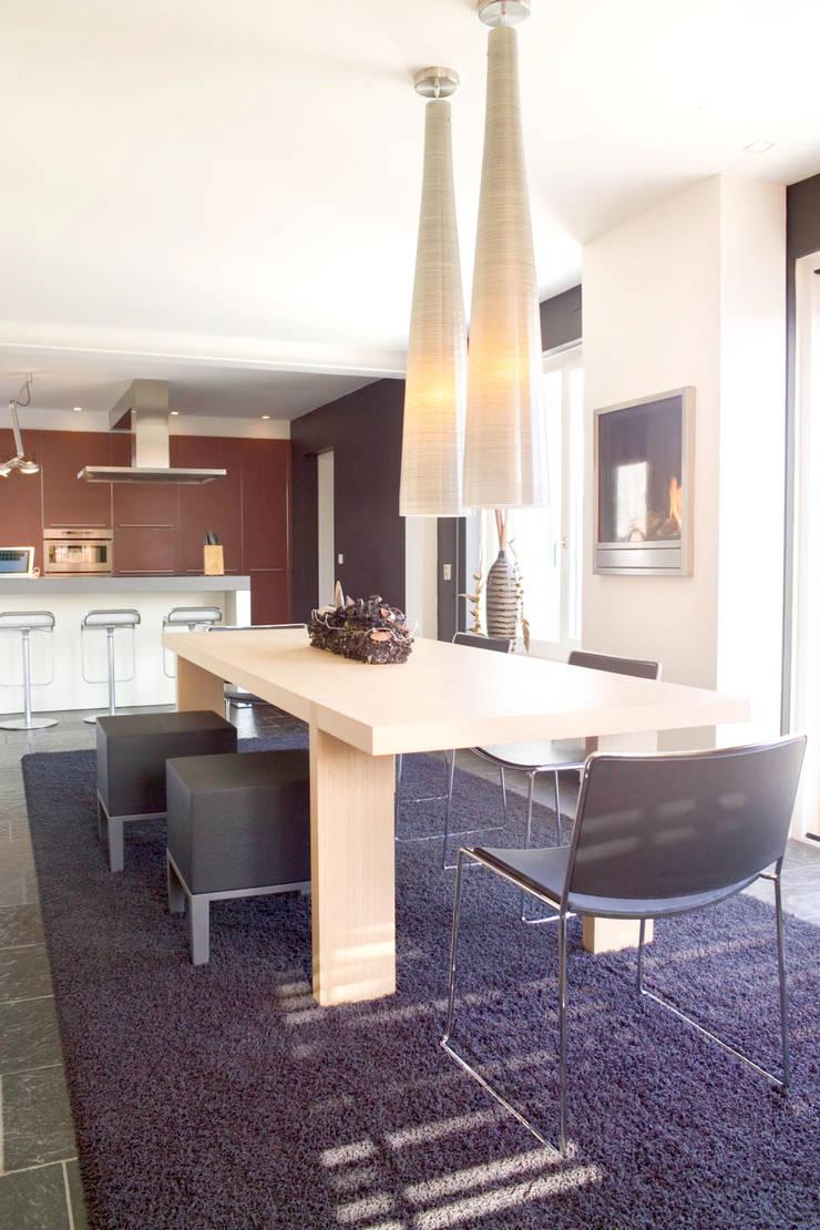 bulthaup keuken met achterwand in de kleur cayenne door arx interieur
