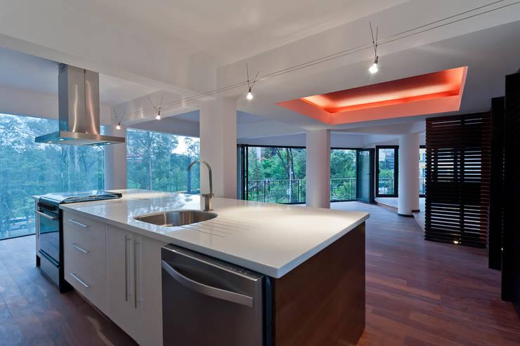 Isla de cocina: Cocinas de estilo  por All Arquitectura