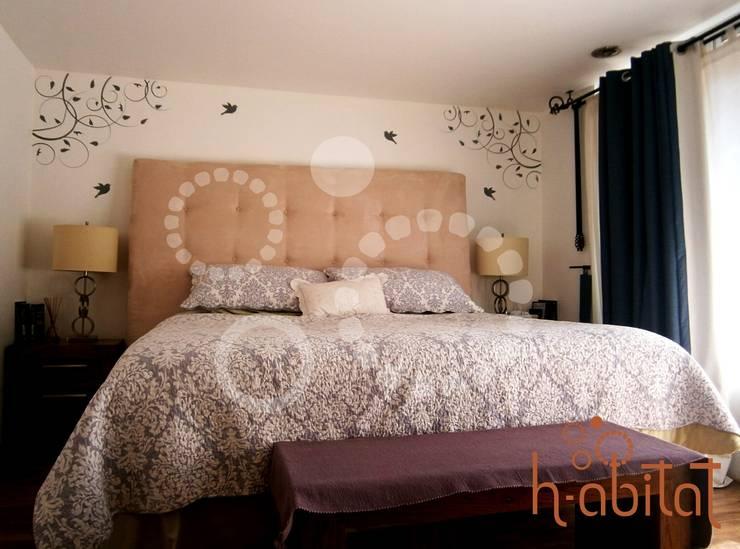 Vinil Decortavio en Recámra Principal: Paredes y pisos de estilo  por H-abitat Diseño & Interiores