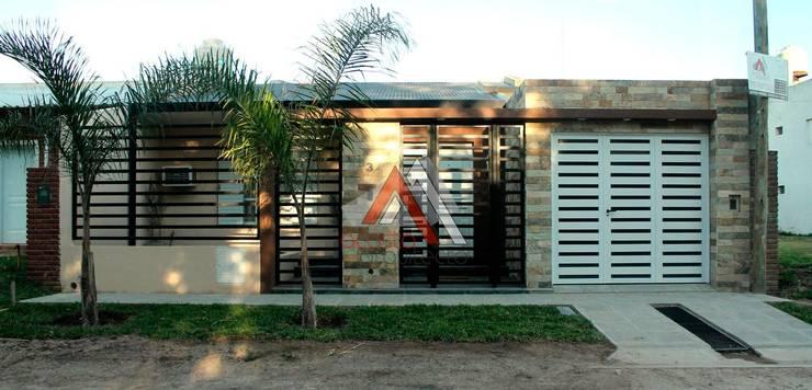 Reforma y Ampliación de Vivienda en San Benito, Entre Ríos, Argentina.:  de estilo  por AA - Estudio de arquitectura