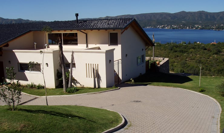 Case in stile in stile Moderno di renziravelo