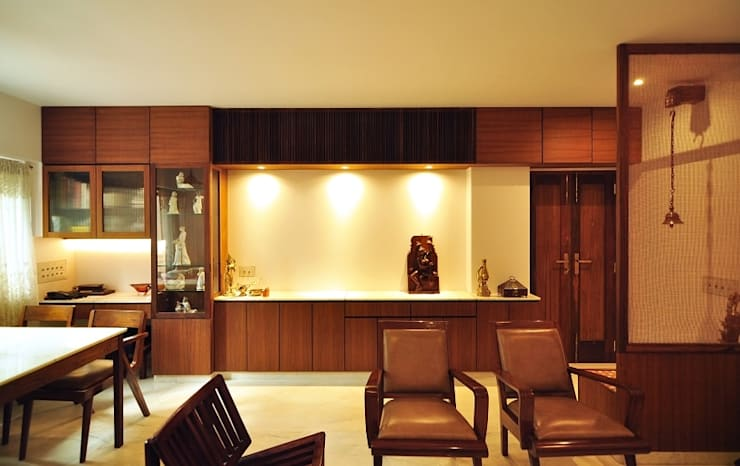 Living Room:  Living room by Studio Pomegranate,Modern