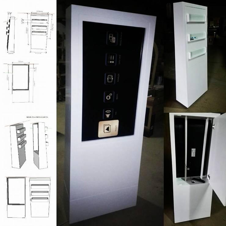 Expositor Digital: Salas de multimédia  por SG Indústria de Mobiliário
