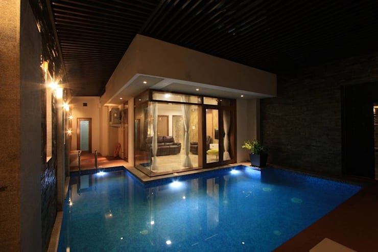 modern Pool by Ansari Architects
