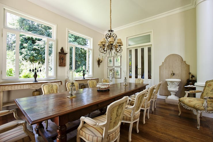 colonial Dining room by Marcelo Bicudo Arquitetura