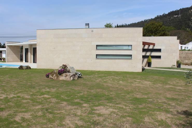 Casas de estilo  por Sérgio Bouça