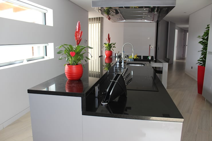 Cocinas de estilo moderno por Sérgio Bouça