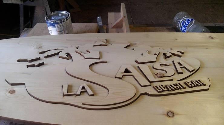 la salsa: Hogar de estilo  por carpinteria hdh