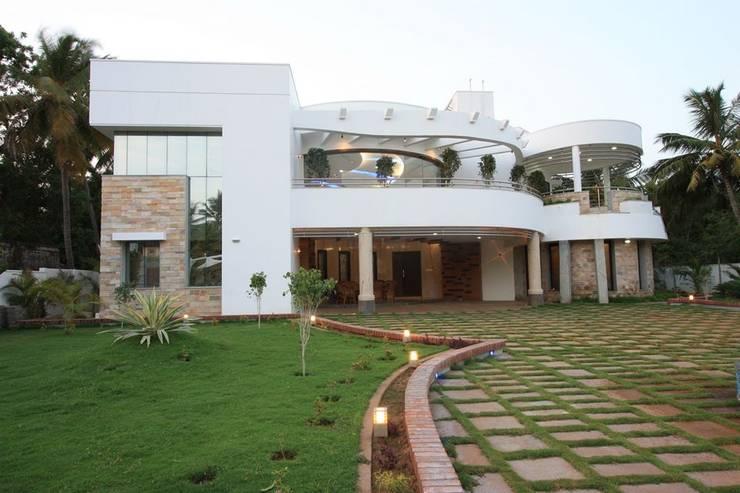 บ้านและที่อยู่อาศัย by Ansari Architects