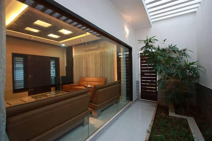 modern Garden by Ansari Architects