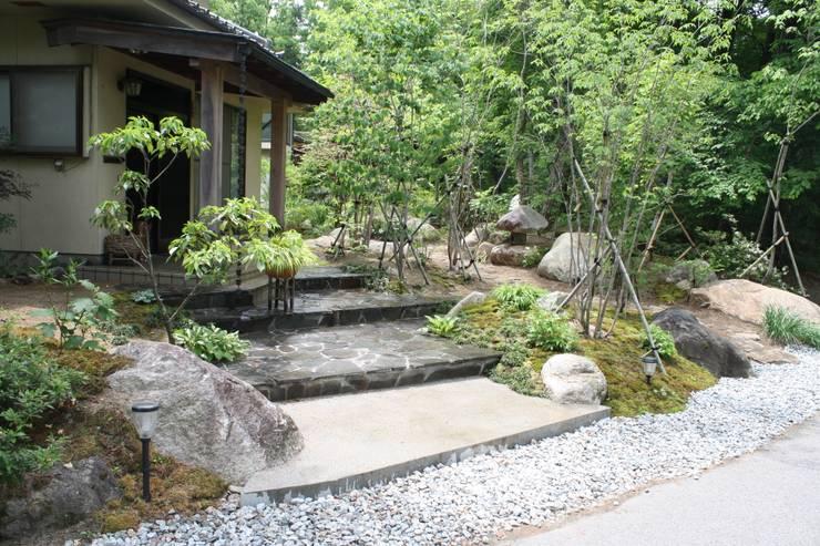 庭のクニフジ의  정원