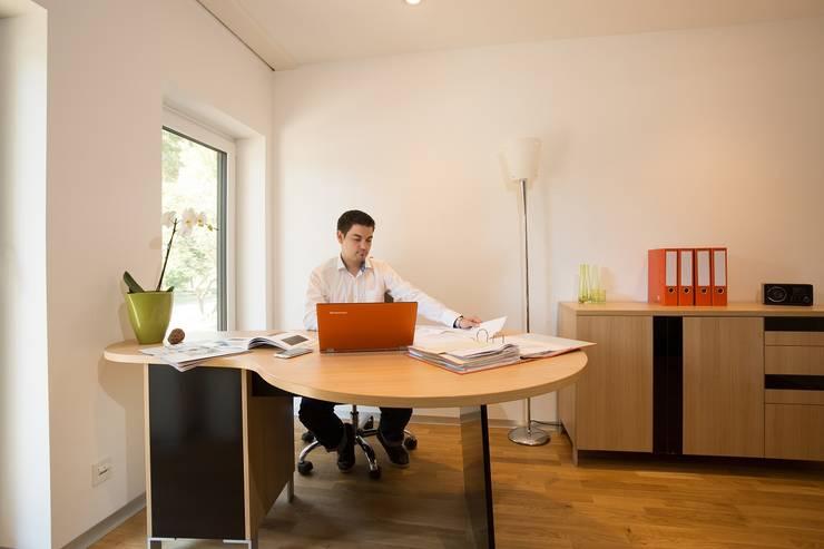 Study/office by K-MÄLEON Haus GmbH