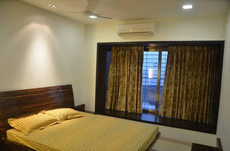 Mahalakshmi:  Bedroom by TRINITY DESIGN STUDIO,Modern