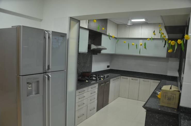 Mahalakshmi:  Kitchen by TRINITY DESIGN STUDIO,Modern