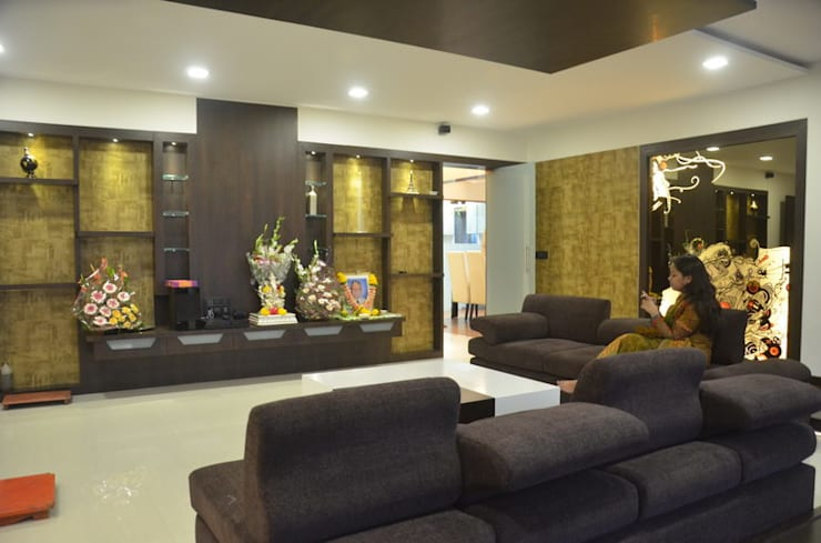 Mahalakshmi:  Living room by TRINITY DESIGN STUDIO,Modern