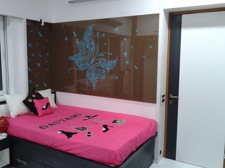 Mr Kamdar 20th Floor: modern Bedroom by TRINITY DESIGN STUDIO