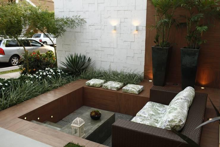 Terrace by Arquitetura Ao Cubo LTDA