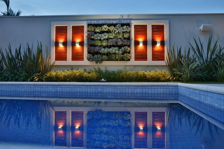 Modern Pool by Arquitetura Ao Cubo LTDA Modern