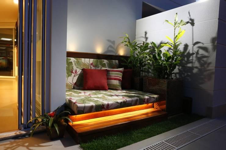 Jardines de invierno de estilo  por Arquitetura Ao Cubo LTDA