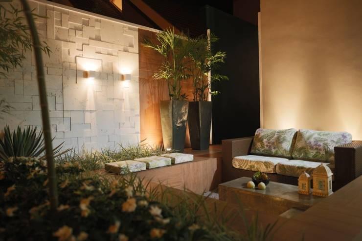 Jardines de estilo  por Arquitetura Ao Cubo LTDA
