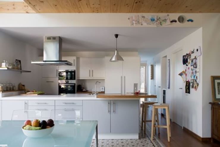 Кухни в . Автор – NOEM