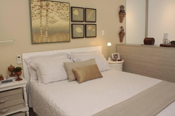 Dormitorios de estilo  por Fernanda Moreira - DESIGN DE INTERIORES