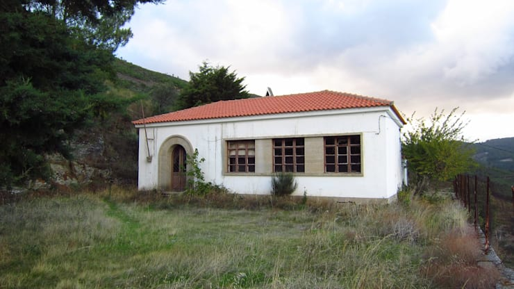ANTES: Casas  por MHPROJECT,Moderno
