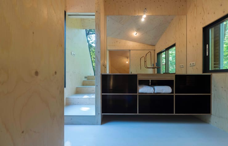 Bathroom by Bloot Architecture