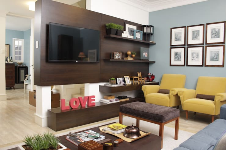 Media room by Fernanda Moreira - DESIGN DE INTERIORES
