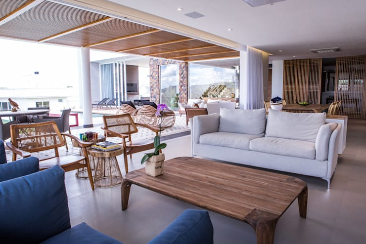 Residencia Domm Arquitetura: Salas de jantar modernas por Domm Arquitetura Ltda
