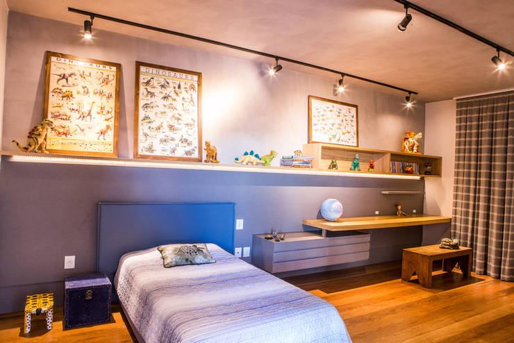 Residencia Domm Arquitetura: Quartos  por Domm Arquitetura Ltda