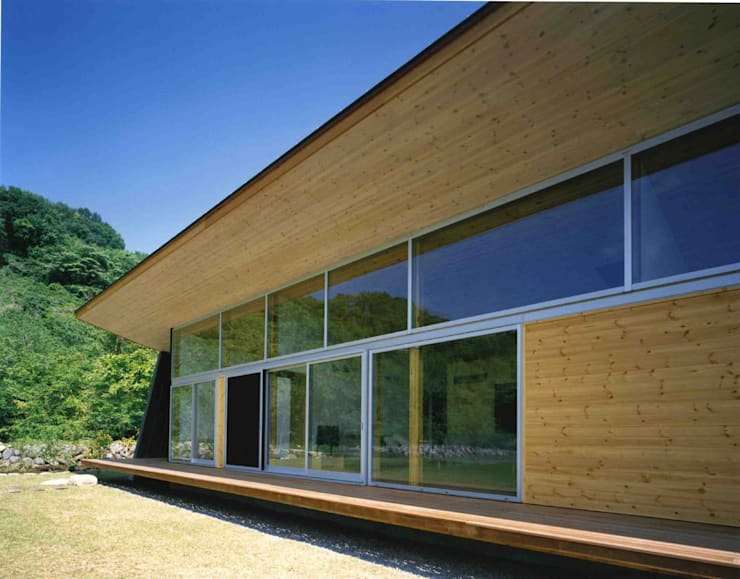 Windows  by 神成建築計画事務所