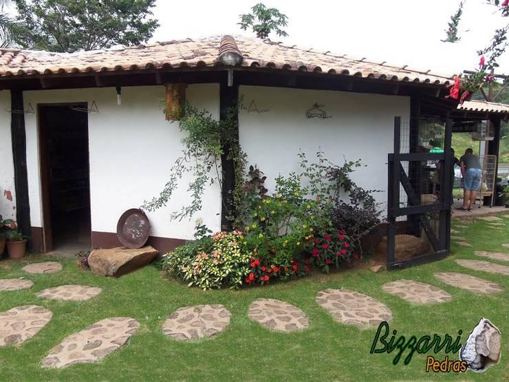 Projekty,  Ogród zaprojektowane przez Bizzarri Pedras