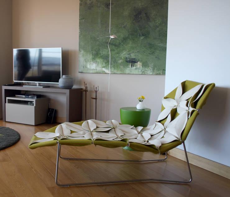 São Jerónimo: Salas de estar  por Consigo Interiores