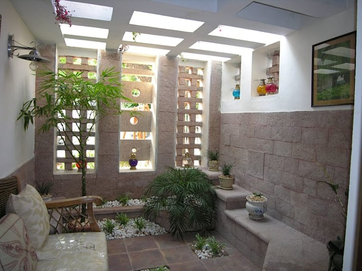 Courtyard: modern Garden by Ansari Architects