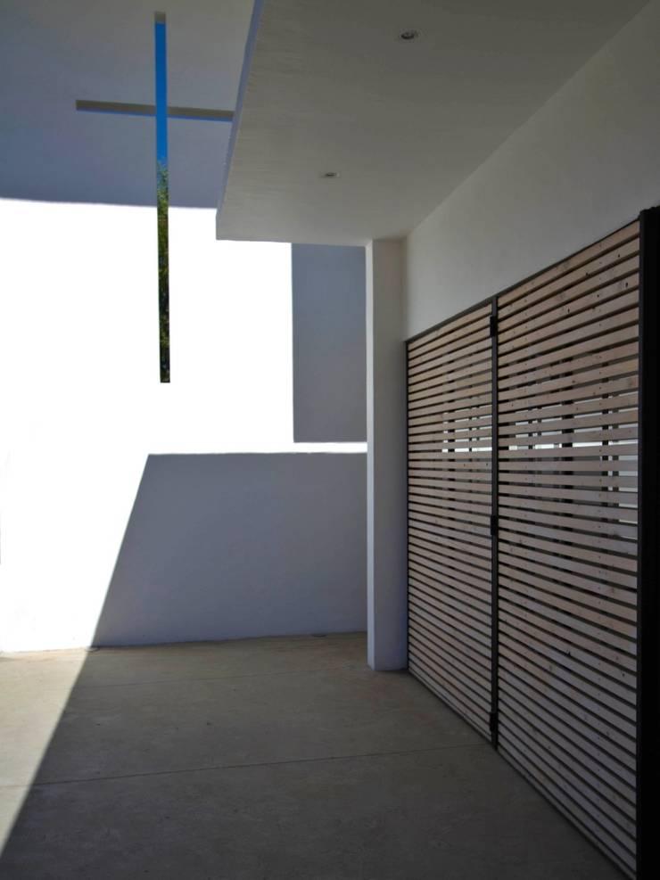 Capilla Alberto Hurtado: Casas de estilo  por G4 Arquitectos Asociados